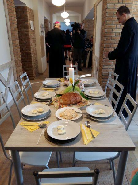 W oddanej do użytku pod koniec grudnia jadłodajni przygotowano śniadanie Wielkanocne dla najbardziej potrzebujących.