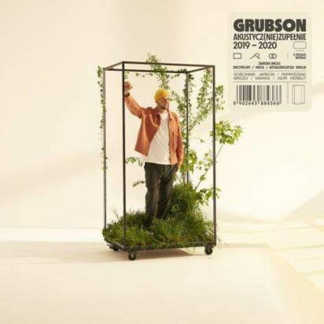 Akustycz(nie)Zupełnie to piąty studyjny album GrubSona, który powstał w ścisłej współpracy z gitarzystą i kompozytorem Jakubem Mitorajem