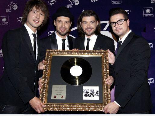 """Album """"Siła braci"""" pokrył się złotem"""