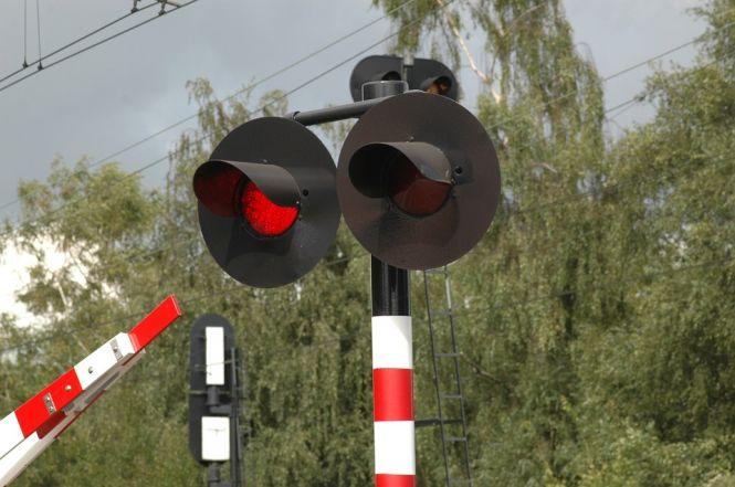 Policjant zginął na przejeździe kolejowym we Wrocławiu